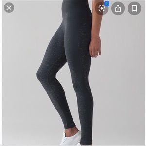 Lululemon free to flow 7/8 leggings 🍋